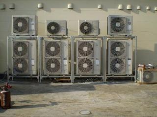 パッケージエアコン室外機集中設置